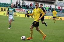 Jan Kalabiška spasil Karvinou vítězným gólem.