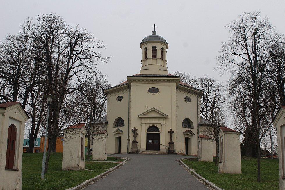 Petřvald.  Křížová cesta na kostel sv. Jindřicha.