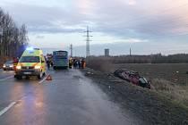 Vážná nehoda se stala v úterý ráno na silnici mezi Havířovem a Orlovou. Pro jednoho těžce zraněného musel přiletět vrtulník.