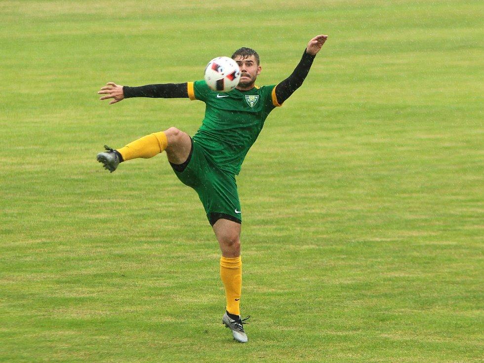 Fotbalisté mají teď na dva týdny s hraním utrum.