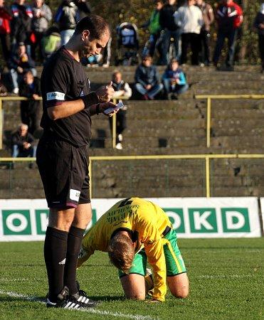 Azde hlavní hvězda zápasu, rozhodčí Mikel.