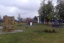 V Petrovicích myslí na děti a důkazem toho je například dětské hřiště, které před časem vyrostlo na proti škole v části Dolní Marklovice.