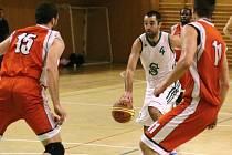 Karvinští košíkáři dosáhli na důležité venkovní výhry.