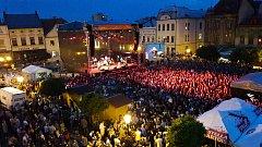 V sobotu večer vystoupila na Masarykově náměstí v rámci oslav Dnů Karviné hlavní hvězda - skupina Chinaski.