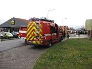 V panelovém dome na sídlišti Svibice v Českém Těšíně v sobotu dopoledne hořelo. Hasiči museli evakuovat 35 lidí.
