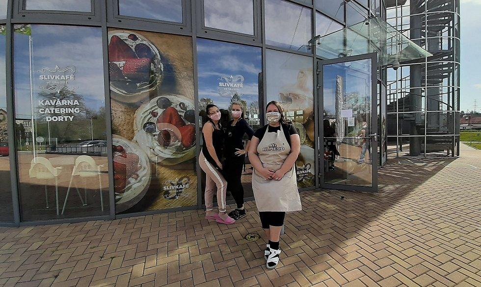 Dorty začala Kateřina Slivková péct, když byla na mateřské. Dnes provozuje dvě kavárny a cukrárny, kde nabízí i mnoho zákusků.