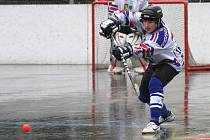 Hokejbalisté Karviné zvládli zápas s Mostem.