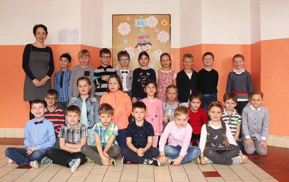 Třída 1. A s učitelkou Kateřinou Volkovou.
