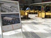 Vlakové nádraží v Havířově. Cestující si mohou prohlédnout vizualizaci budoucí podoby.