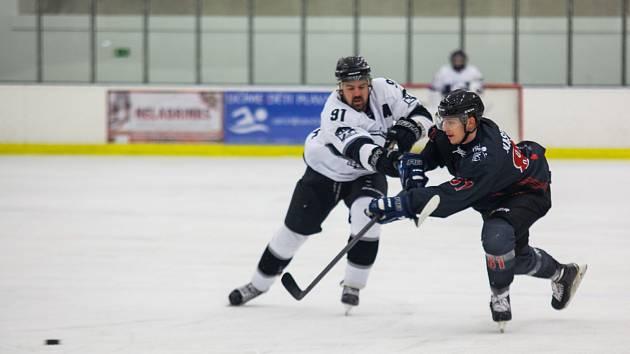 Českotěšínští hokejisté mají nakročeno do kvalifikace o II. ligu.