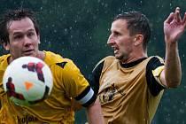 Kapitán bohumínských fotbalistů Roman Košťál a jeho spoluhráči jsou favority krajského přeboru.