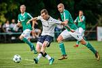 Fotbalisté Dětmarovic (v bílém) si přijeli do Ostravy pro tři body.