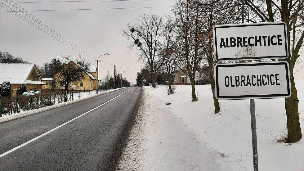 Příjezd do Albrechtic od Stonavy.