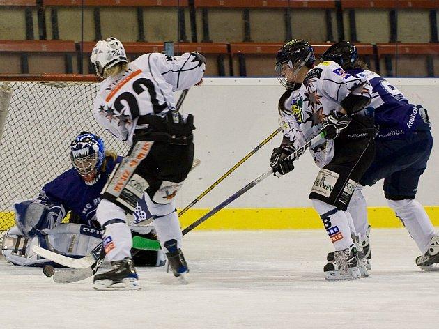 Karvinské hokejistky v Rusku ostudu určitě neudělaly.