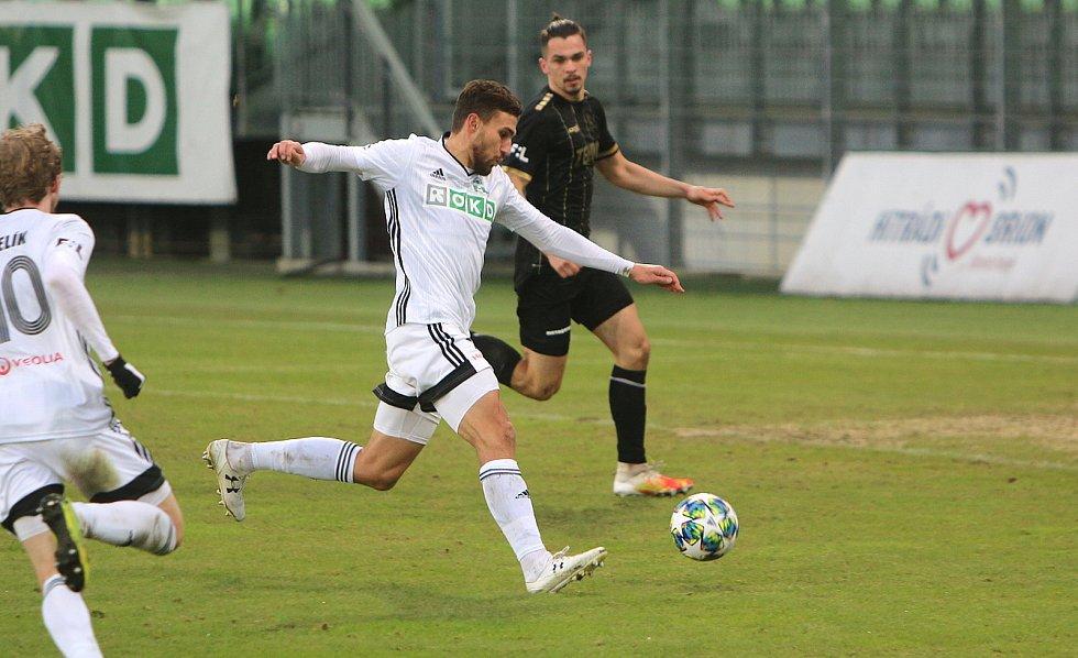 Fotbalisté Karviné prohrávali ještě v 87. minutě ligového duelu s Jabloncem 0:2. Nakonec brali bod po remíze 2:2.