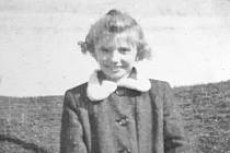 Desetiletá Drahuše v roce 1943, tehdy ještě Javorková.