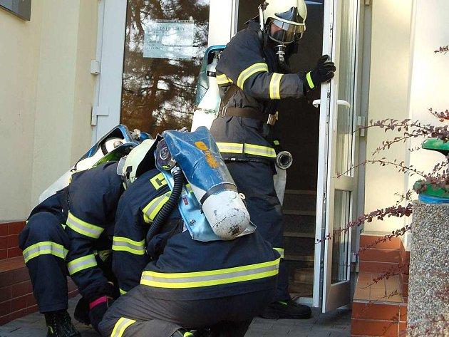 Atmosféru náhlého požáru zažili ve středu pozdě odpoledne zaměstnanci rychvaldské radnice.