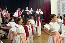 Předvánoční vystoupení havířovského Folklorního souboru Vonička v Domě PZKO v Havířově-Bludovicích.
