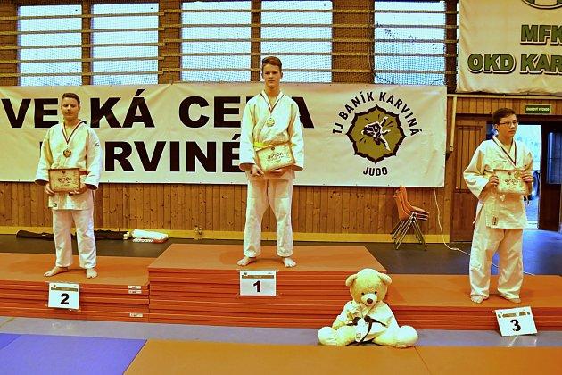 Adam Przybyla (uprostřed) také zvítězil.