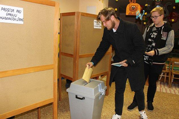 Komunální a senátní volby 2018ve volebním okrsku vulici ČSA vcentru Havířova.