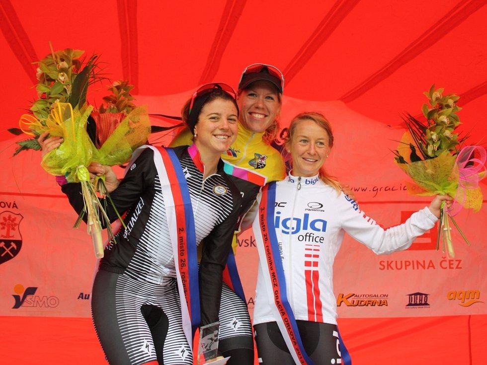 Trio nejlepších - zleva Stevens, van Dijk a Pooley.