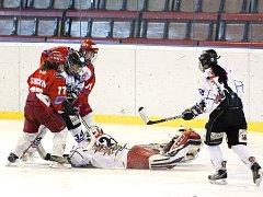 Karvinské hokejistky si výhrami nad Slavií zvedly sebevědomí. O všem podstatném se ale bude rozhodovat až o tomto víkendu.