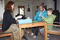 U zápisu do waldorfské školy se zkoumala nejen psychická, ale také fyzická připravenost dítěte.