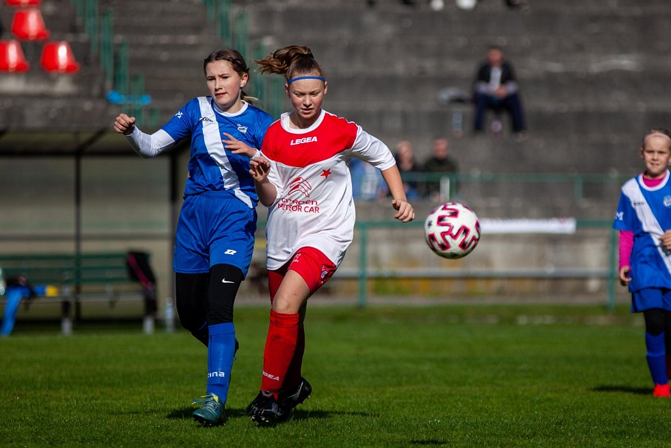 Fotbalový turnaj mladých hráček v Orlové ovládly juniorky MSK.
