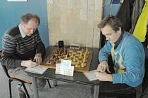 Jaroslav Sobek (vlevo) za Karvinou nejprve vybouchl a pak zazářil.