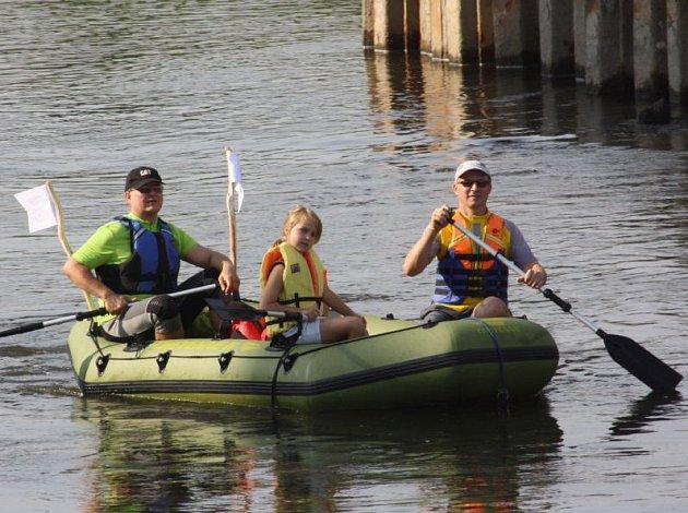 Vodáci na řece Odře.