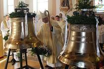 Zvony v kostele v Horní Suché.