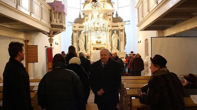 Bohoslužba za opravu kostela v Orlové.
