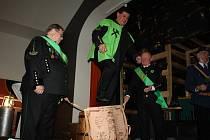 Jedna z největších hornických slavností, Skok přes kůži, se v sobotu konala ve Stonavě.