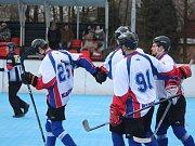 Hokejbalisté si v play off počínají suverénně. Zastaví je Dobřany?