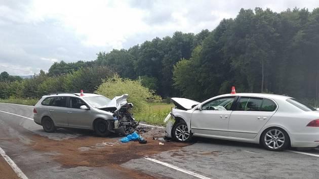 K dopravní nehodě se srážkou dvou vozů v protisměru došlo ve středu 4. srpna odpoledne v Těrlicku u Havířova.