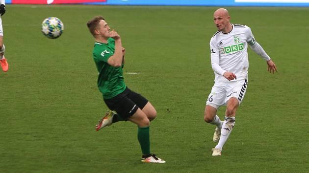 Marek Janečka (v bílém) se rozpovídal na facebooku.