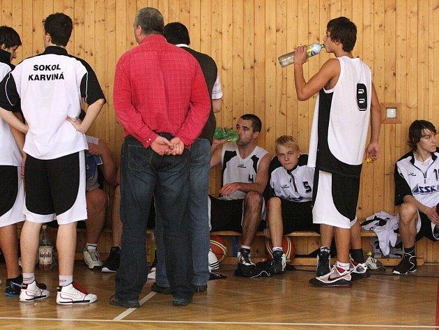 Basketbalisté Karviné ukončili náročnější sérii v oblastním přeboru.