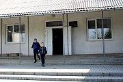 ADRA pomáhá dětem a rodinám v Mukačevu a okolí. Školu společná pro obce Bukovinka.a Kučava.
