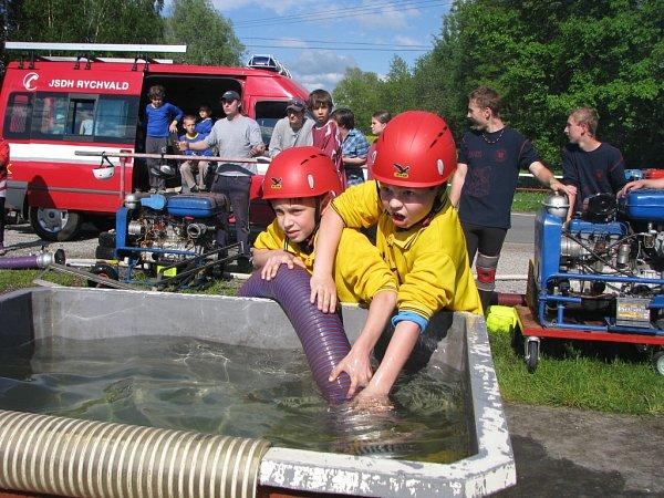 Soutěž mladých dobrovolných hasičů vHavířově.