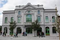Bývalý Národní dům ve Starém Bohumíně, dnes hotel a restaurace Pod Zeleným dubem.