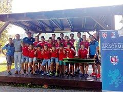 Chlapci ZŠ Dělnická a fotbalové krajské akademie mají za sebou první - a úspěšný rok.