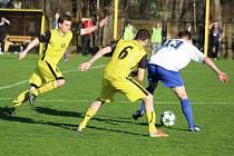 Těšíňané (ve žlutém) hráli s Vendryní nerozhodně 2:2.