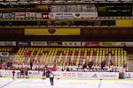 Hokejisté Havířova (v bílém) se v Jihlavě statečně drželi, nakonec padli v prodloužení.