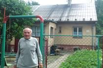 Pan Josef Pukowiec žije v kolonii Bendovka už téměř 60 let a stěhovat pryč se nechce.