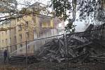 Dům v Mírové ulici naproti gymnáziu šel k zemi na konci října. Od roku 2013 zmizelo z lokality Karviná-Nové Město minimálně 10 bytových domů, jejími vlastníky bylo RPG, resp. dnes Residomo nebo město Karviná.