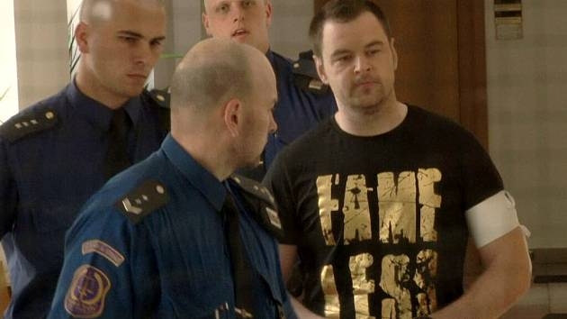 Petr Kramný u soudu.
