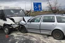 Následky nehody na Opavské ulici v Porubě.