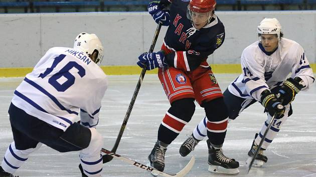 Karvinští hokejisté vyhráli, ale zůstávají poslední.