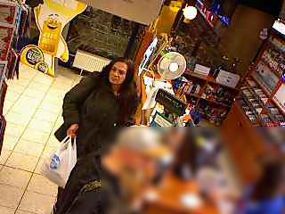 Havířovští policisté šetří krádež, ke které došlo dne 4. listopadu 2018 okolo 18:45-18:55 hod., v Havířově-Podlesí, v obchodním domě na Dlouhé třídě.