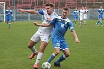 Derby v divizi bez vítěze. Za Havířov se prosadil Lukáš Skoupý (v modrém).